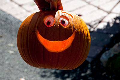 Smiling pumpkins - click to see more photos from carving pumpkins
