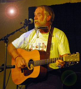David Mallett performs at the Rose Garden Cofeehouse in 2005 ~ Photo by Stephen Ide