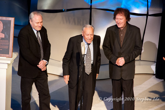 Earl Scruggs speaks at the 2010 induction of his hife, Louise Scruggs, into the bluegrass Hall of Fame. Photo by Stephen Ide