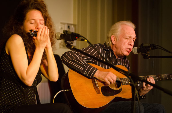 Annie Raines & Paul Rishell perform at the Rose Garden Coffeehouse in 2012. Photo by Stephen Ide